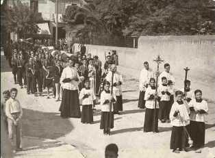 Trasllat des del cementiri de Terrassa dels 14 santfeliuencs assassinats el dia 23 d'agost de 1936,